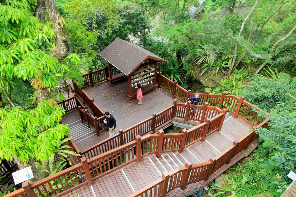 新竹新景點   尖石青蛙石天空步道,新竹唯一玻璃景觀平台賞彩虹飛瀑,親近大自然的好地方~