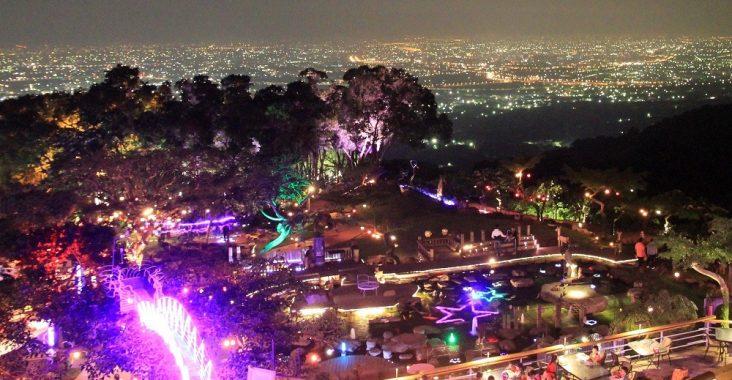 南投景點 | 星月天空夜景景觀餐廳,夢幻城市夜景、U型溜滑梯、羊駝與小動物全在這! @小兔小安*旅遊札記