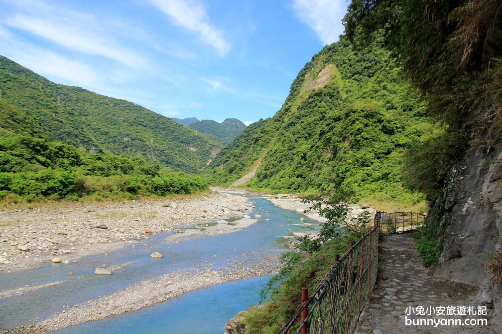 花蓮景點》花蓮銅門翡翠谷,溪谷中的夢幻水濂瀑布,仙境般無比浪漫~