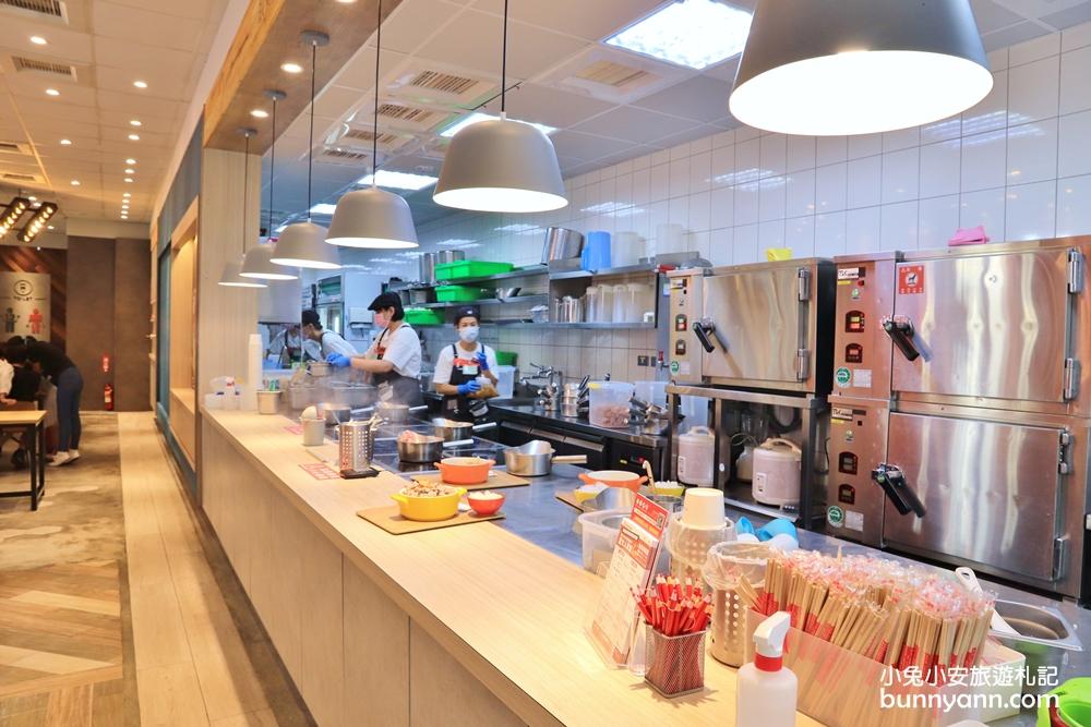 台中美食》幫你刷好的肉滿滿火鍋!12MINI台中公益店,飲料無限暢飲,食肉派主義大推薦~