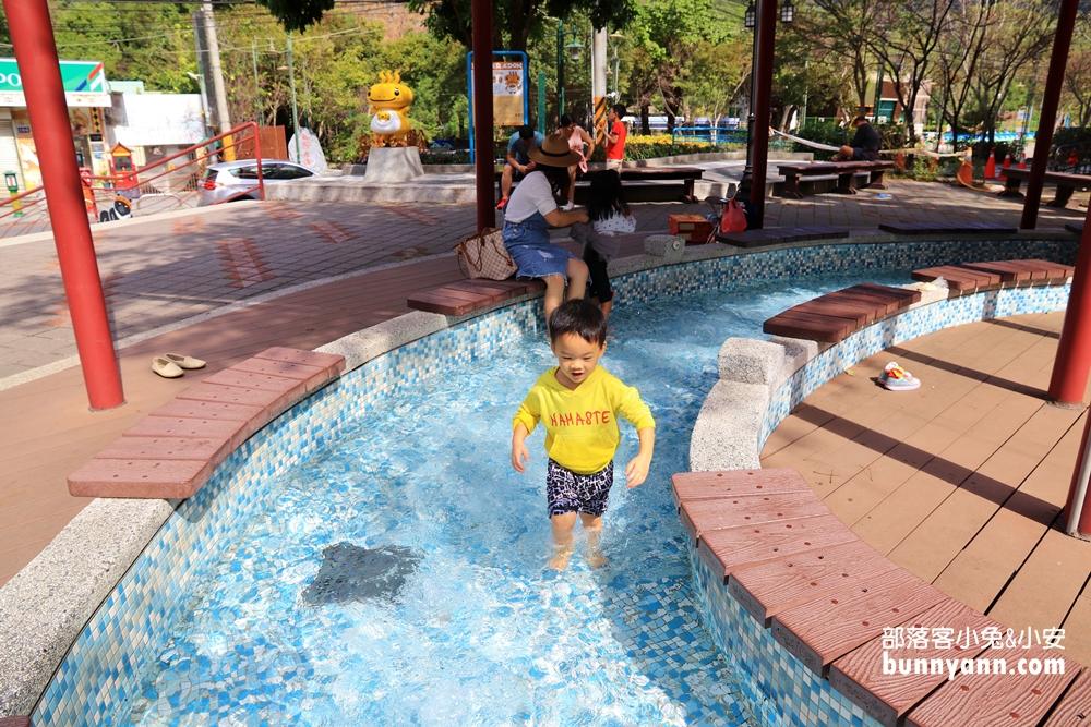 台中》秋冬之旅!谷關溫泉公園,無料戶外溫泉美人足湯,泡完皮膚滑溜溜