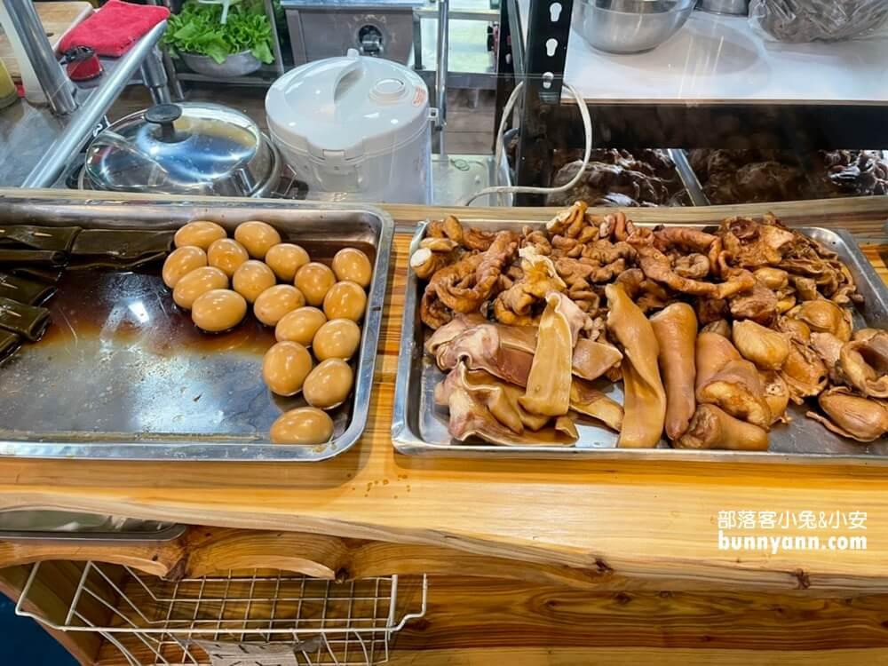 台東美食|哇哇哇大骨麵|都蘭比小孩手還粗的豬大骨|靠海村落必吃大骨麵