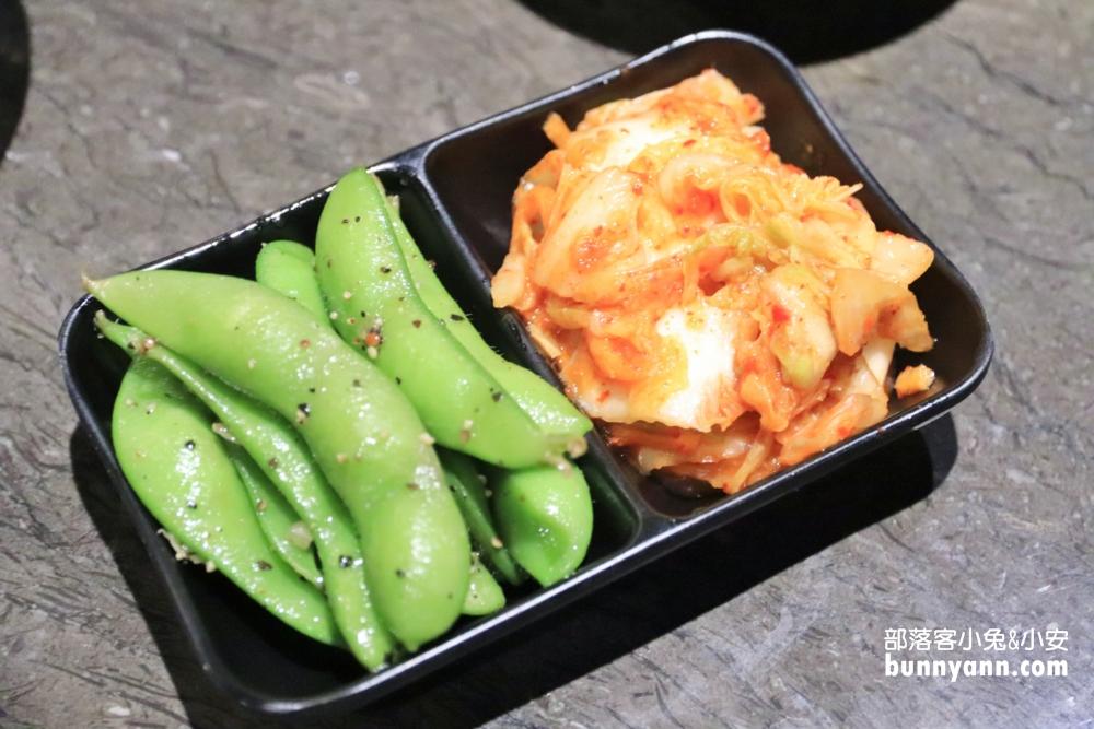 基隆龍榮燒肉,超高CP值的牛雞豬肉烤物套餐,小菜免費續飽