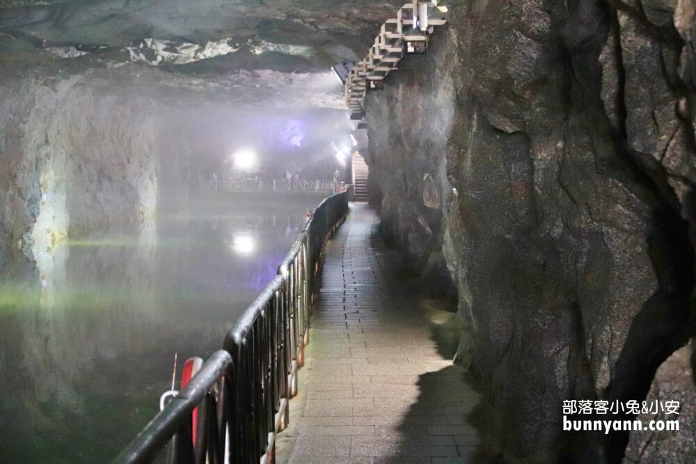金門景點》翟山坑道,金門最美洞穴水上步道,免門票景點好拍好逛