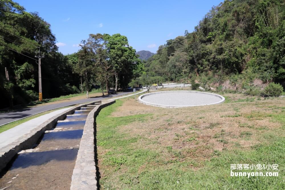 南投景點》能高瀑布好壯觀,能高親水公園玩水消暑,超美天空之境