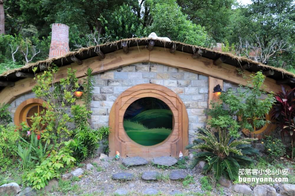 宜蘭景點》兔子迷宮礁溪浴場,精靈小屋、粉紅城堡、獨角獸泳池,夢幻網美IG打卡點~