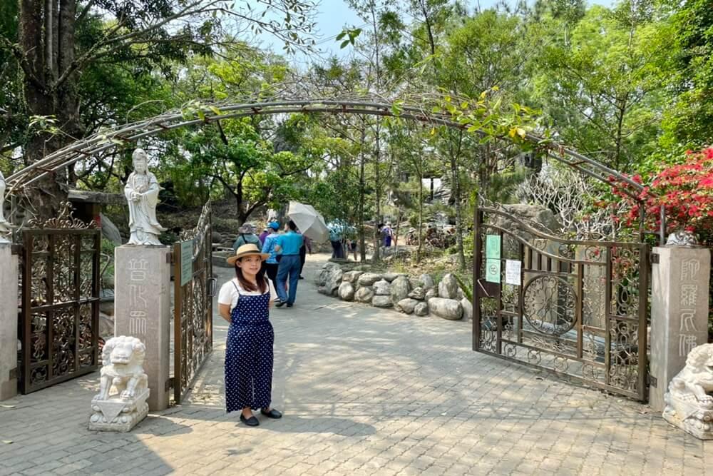 台南楠西萬佛寺|台版吳哥窟,誇張鐘乳石洞,參觀壯麗佛寺,沒走一小時半無法破關