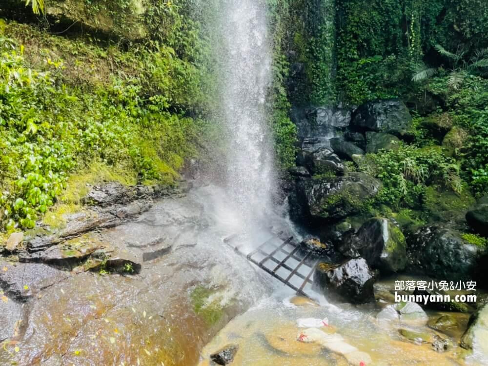 新北景點》來回半小時!炮子崙瀑布,秘境版超美山澗瀑布,深坑登山健走賞飛瀑好地方