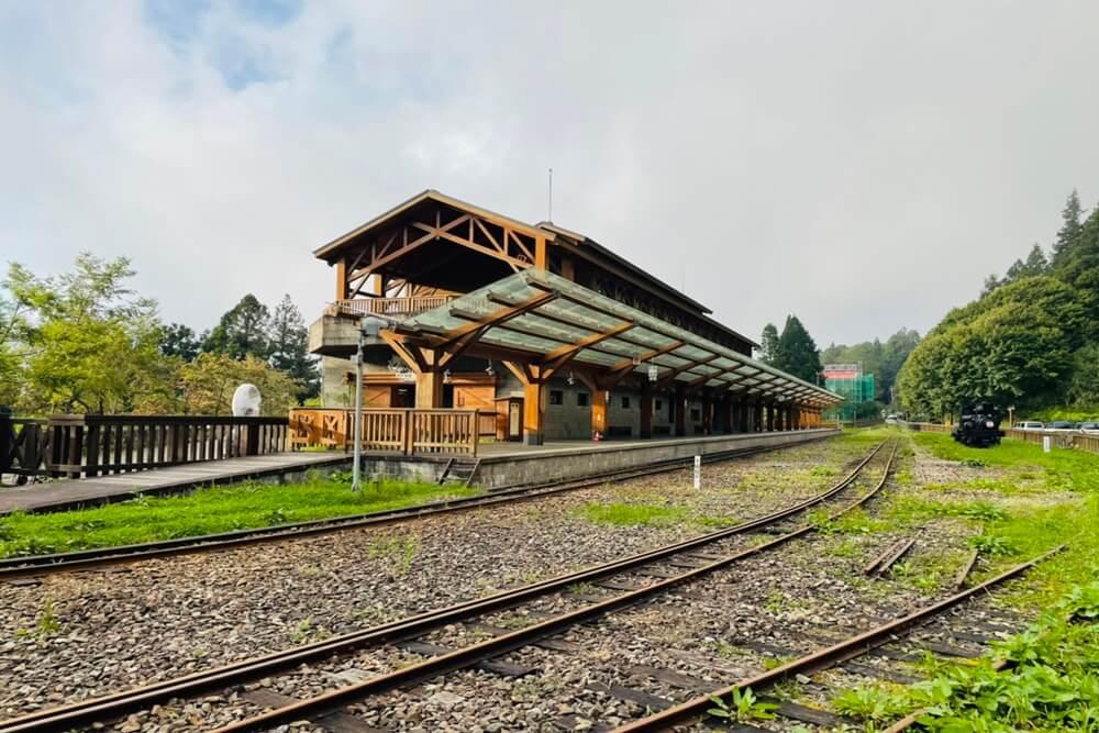 阿里山仙境姊妹潭,沼平車站搭小火車,漫遊森林湖景和森林步道好悠閒