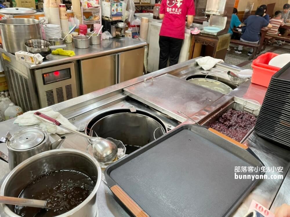 台南同記安平豆花,豆花綿密粉圓也超多,府城安平必吃美食