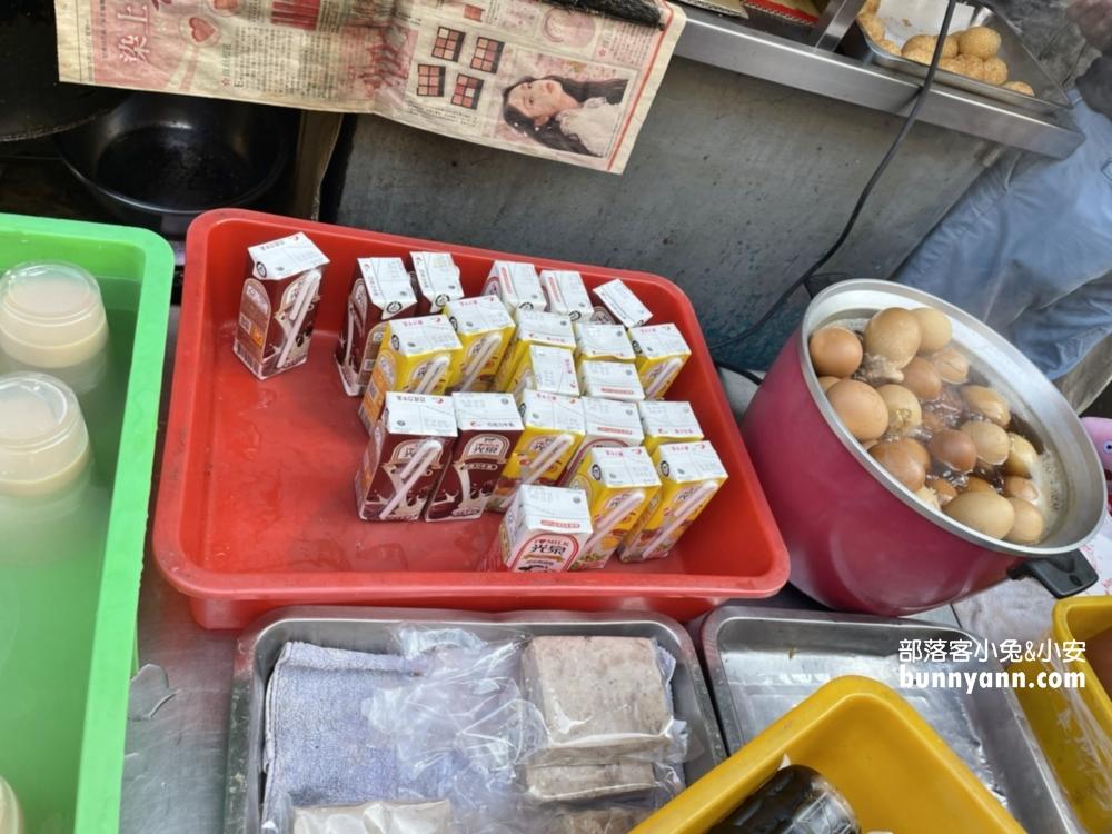 小琉球美食洪媽媽早餐店,菜單分享&必吃推薦,賓士包好吃
