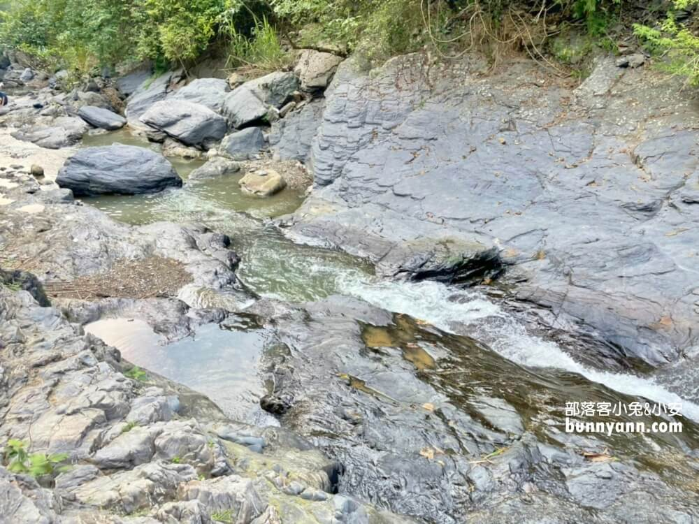 屏東牛角溪瀑布群,免費玩水地點,玩溯溪和登山去處